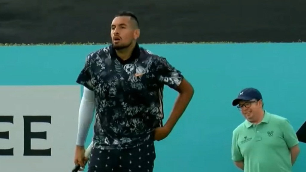 Kyrgios tees off at umpire at Queen's