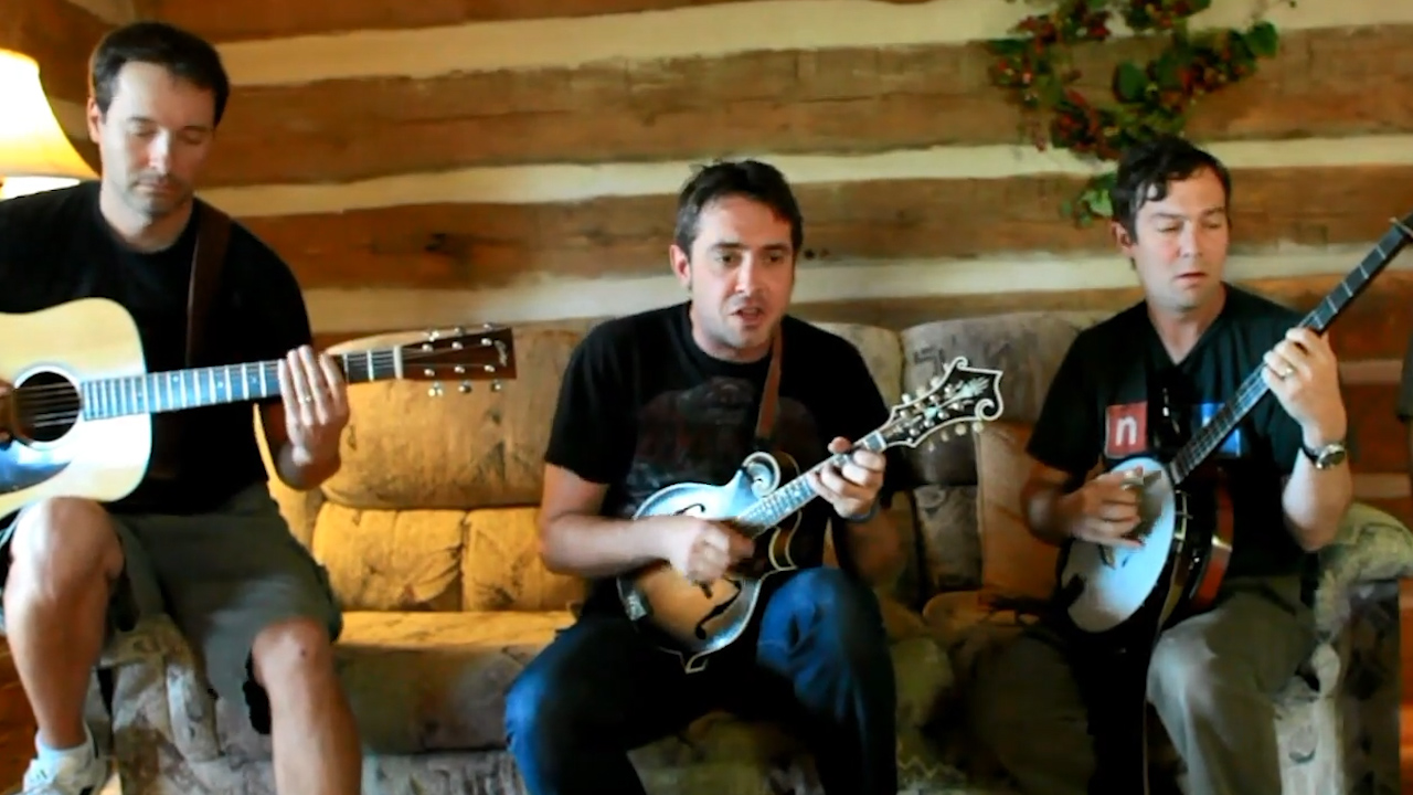 Yonder Mountain String Band performs 'They Love Each Other'