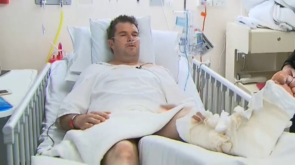 Man could lose leg after helping crash victims