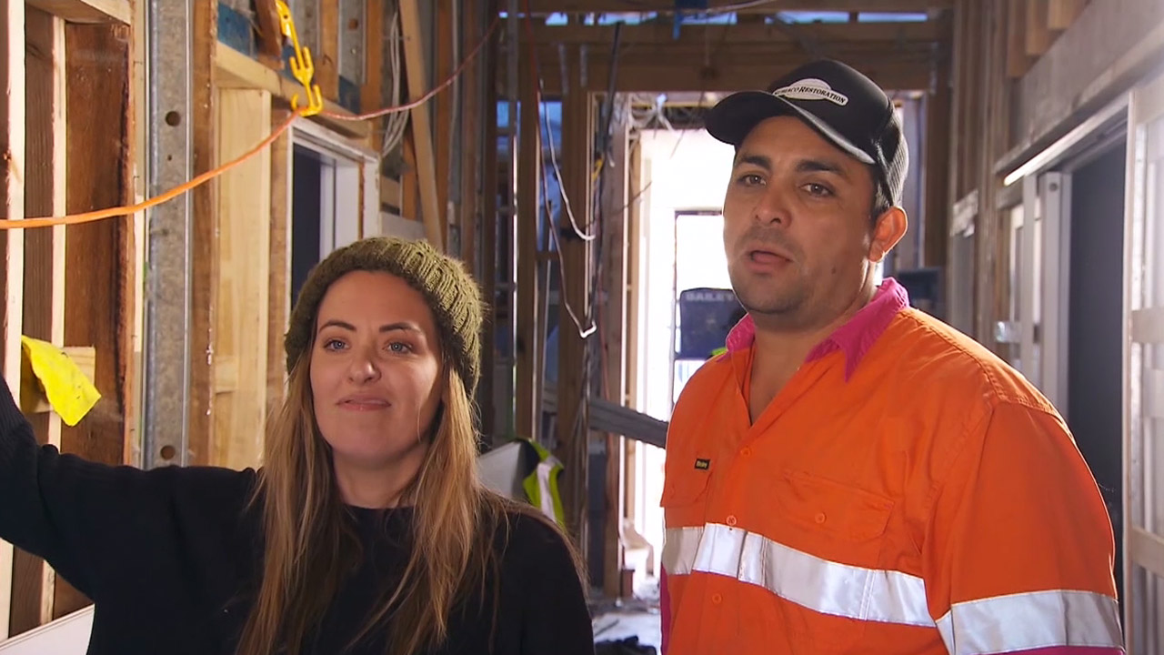 Georgia is fuming when Josh and Elyse win weekly prize for their innovative kitchen design