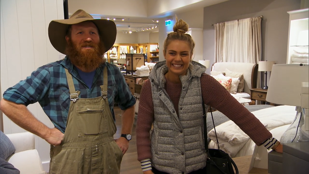 Elyse and Wombat go on a styling date