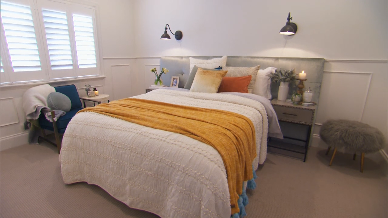 The judges walk through Josh and Elyse's guest bedroom