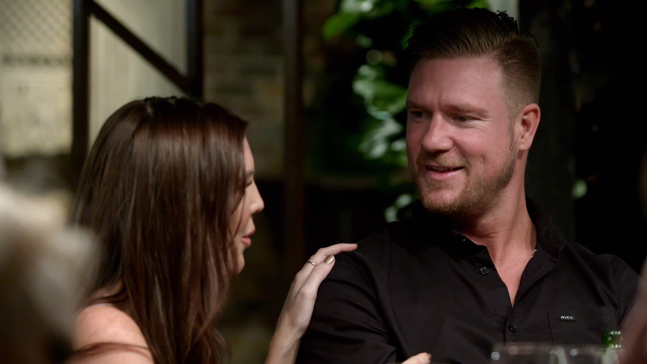 Tracey asks Dean if she has anything to worry about