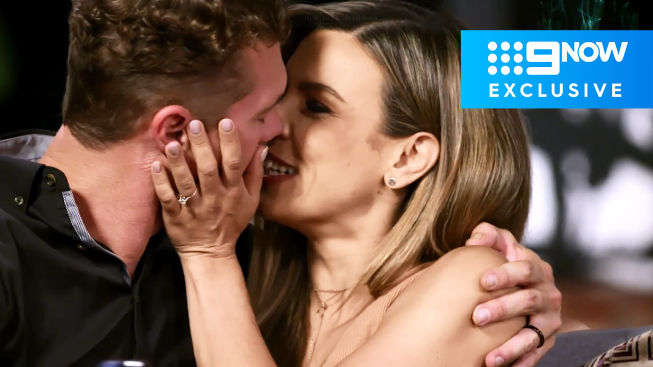 Extended: Justin and Carly's cringe worthy kiss