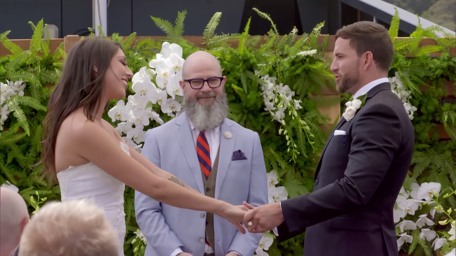 Tamara and Dan wed on a boat and instantly find each other attractive