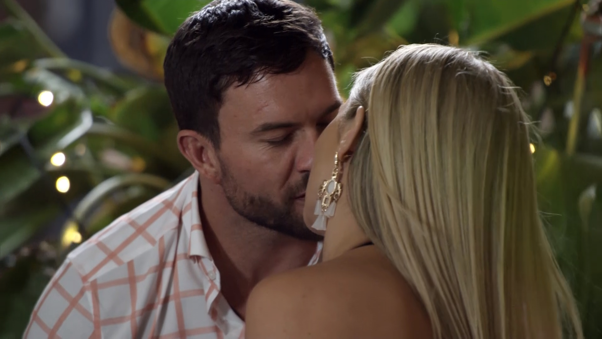 Jess and Dan decide to 'come clean' about their affair