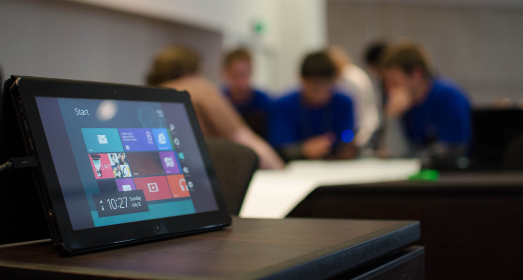 How tablet computing annotation and sharing technology transforms student participation