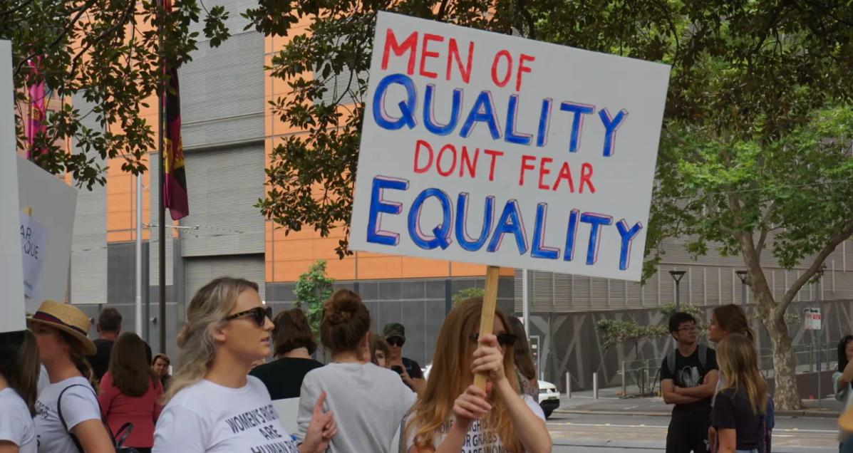 BACKGROUND: #WomensWave