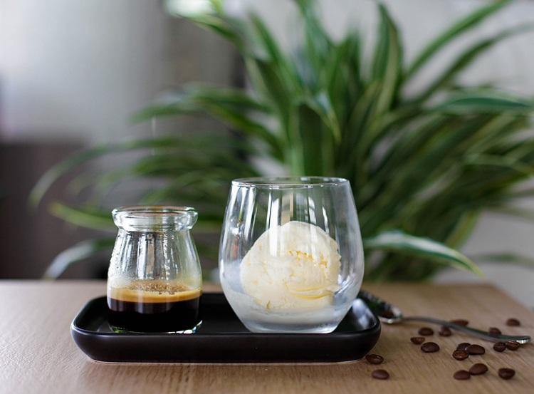Barista & Cook - Coffee Ice Cream Slider