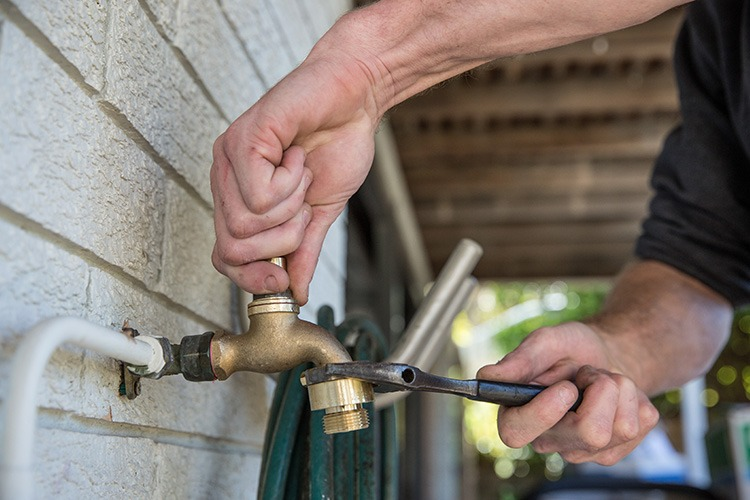 Your Must-Read Guide on Avoiding Plumbing DIY Disasters