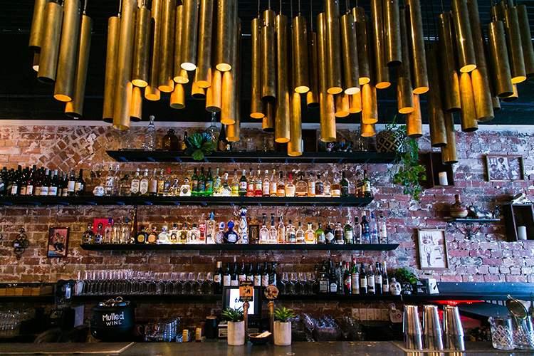 Tres Bar