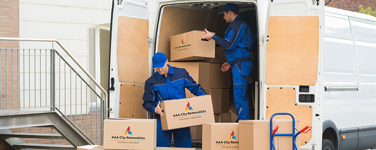 branded-removalists-and-van