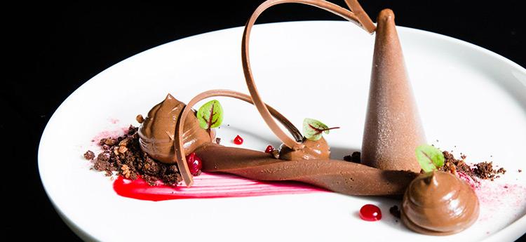 Image credit: Om Nom Dessert Bar Facebook