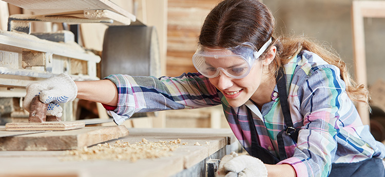 women-in-carpentry-potential-feature-image