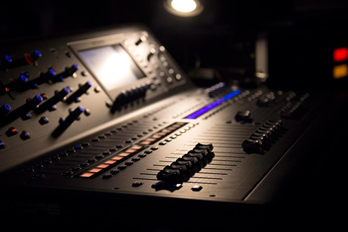 Launch Mixing Desk_500px