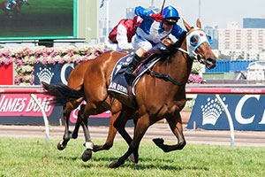 Cassidy lucky to win fifth Crown Oaks