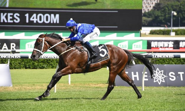 Winx wins 30th straight race with dynamic Apollo Stakes victory