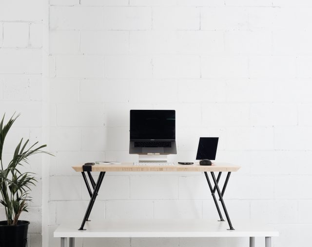 Increase your longevity and mood with a standing desk - the benefits