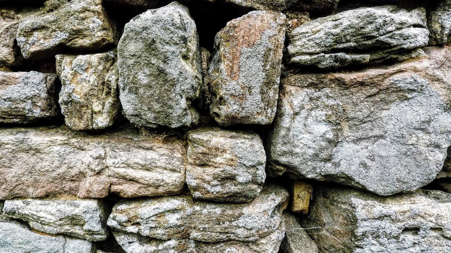 Oakmont-wall