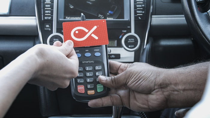 Card-paying-on-taxi-reader