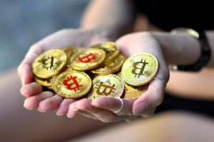 bitcoin-profit-revolution-people-currency-turn-around