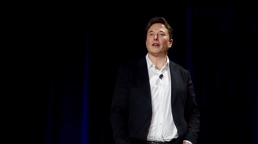 Elon Musk Urges Authorities to End Lockdown, Tim Draper Supports