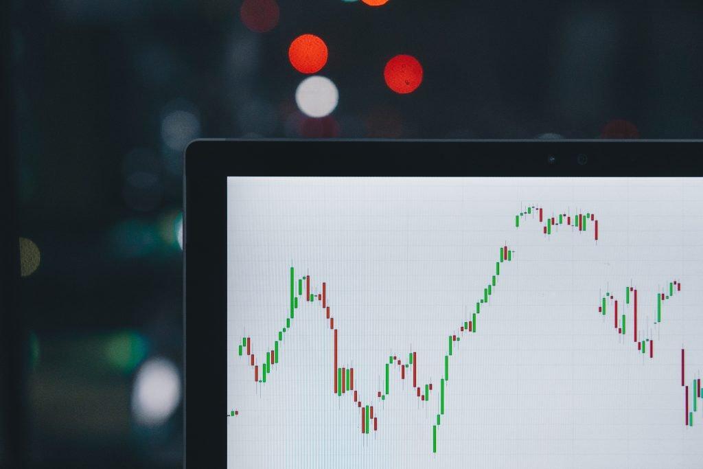 similarity of crypto and stocks