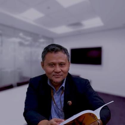 Dr. Vip Paramarta