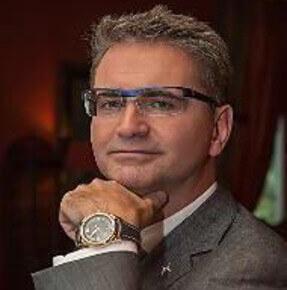 DR. LUBOS RIHA