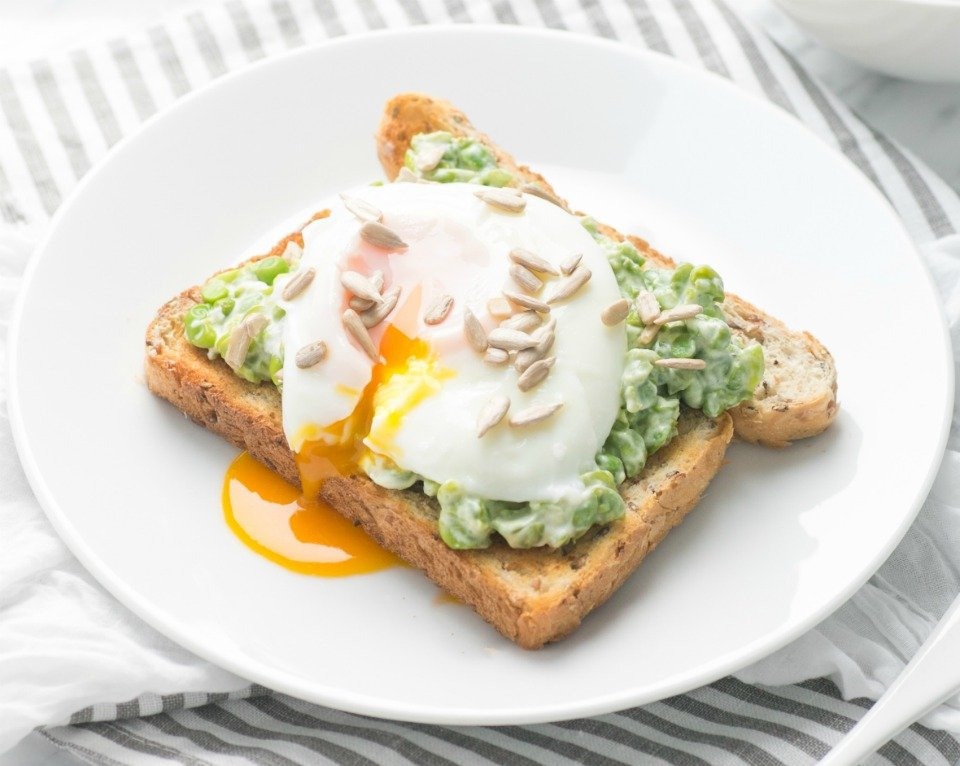 Creamy Peas with Poached Eggs on Toast