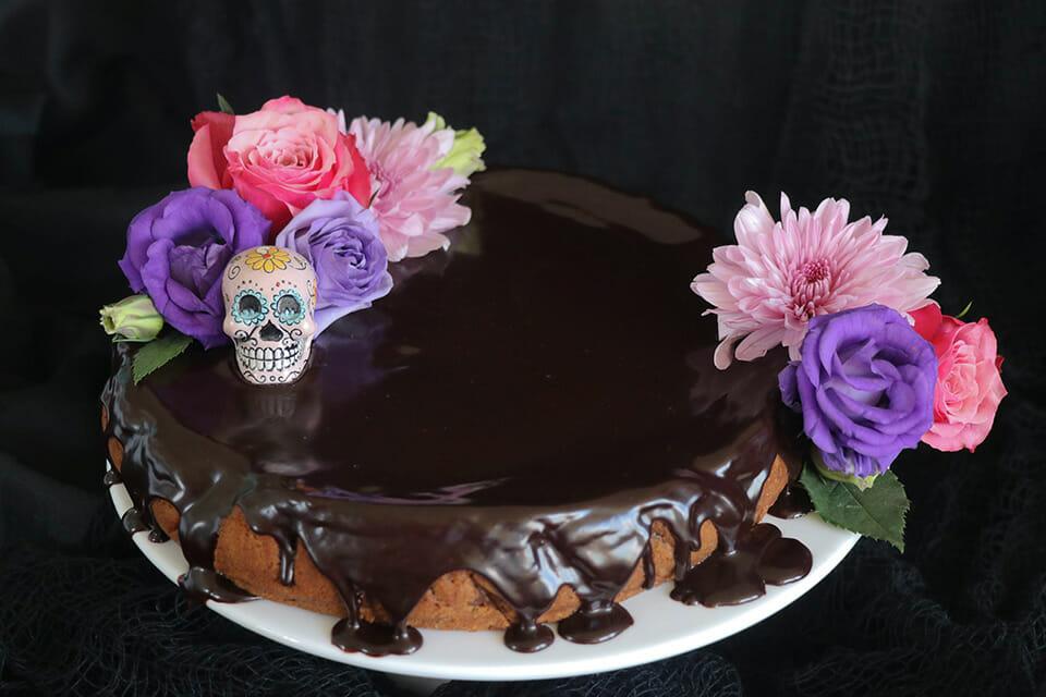 GHOULISH CHOCOLATE PUMPKIN MUD CAKE amy atkinson healthy mummy halloween