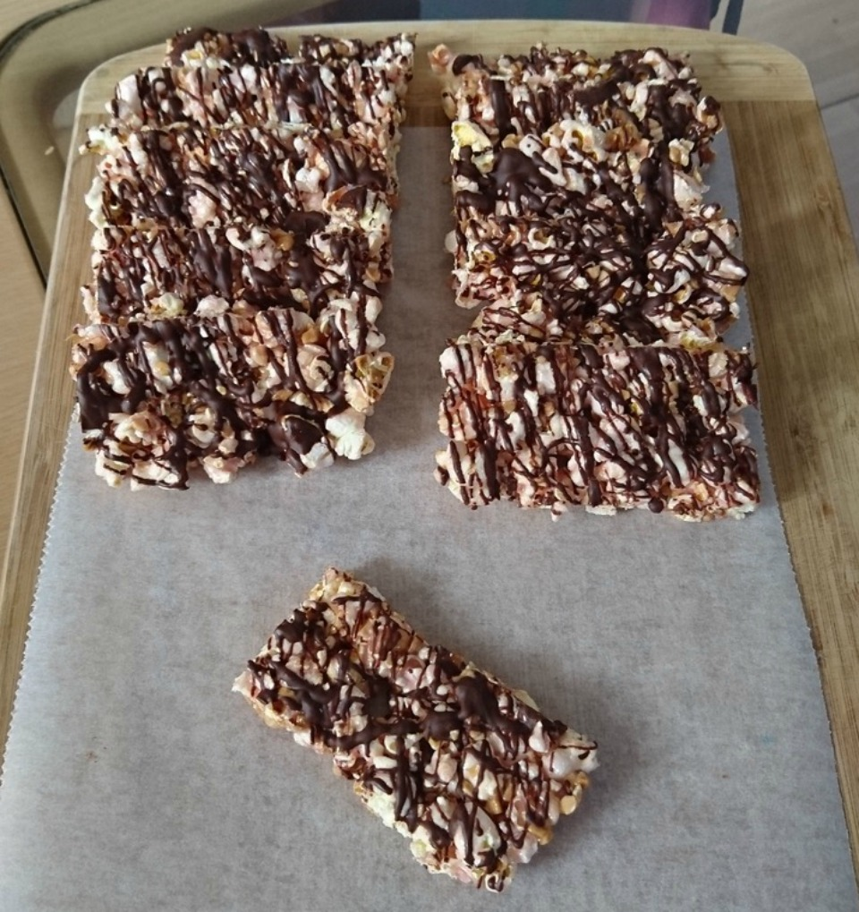 Healthy Popcorn Snack Bars