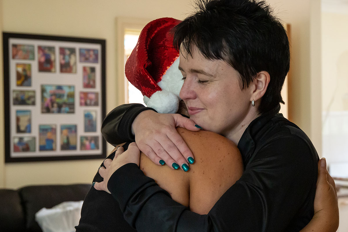 HEalthy_Mummy_Gift_of_Christmas_nicole kaitie hug