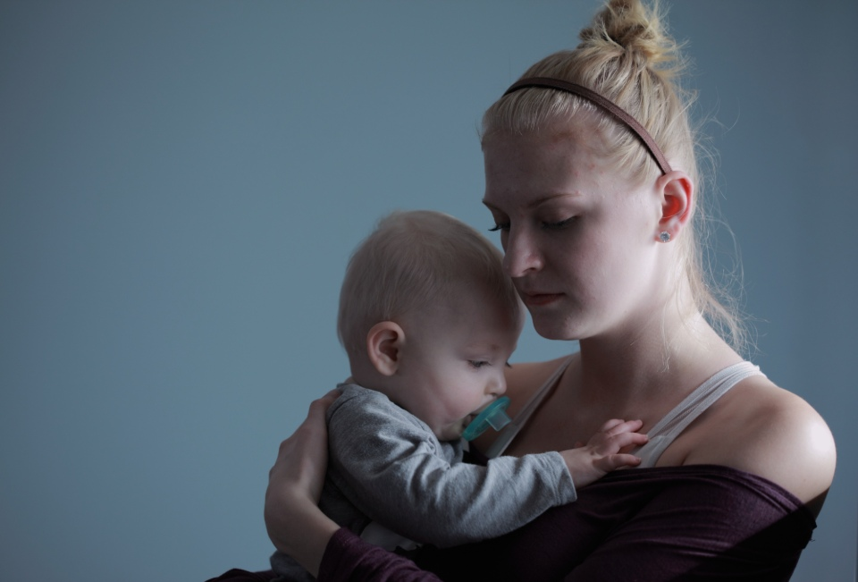 85% of mum don't feel society supports motherhood, new survey sadly finds