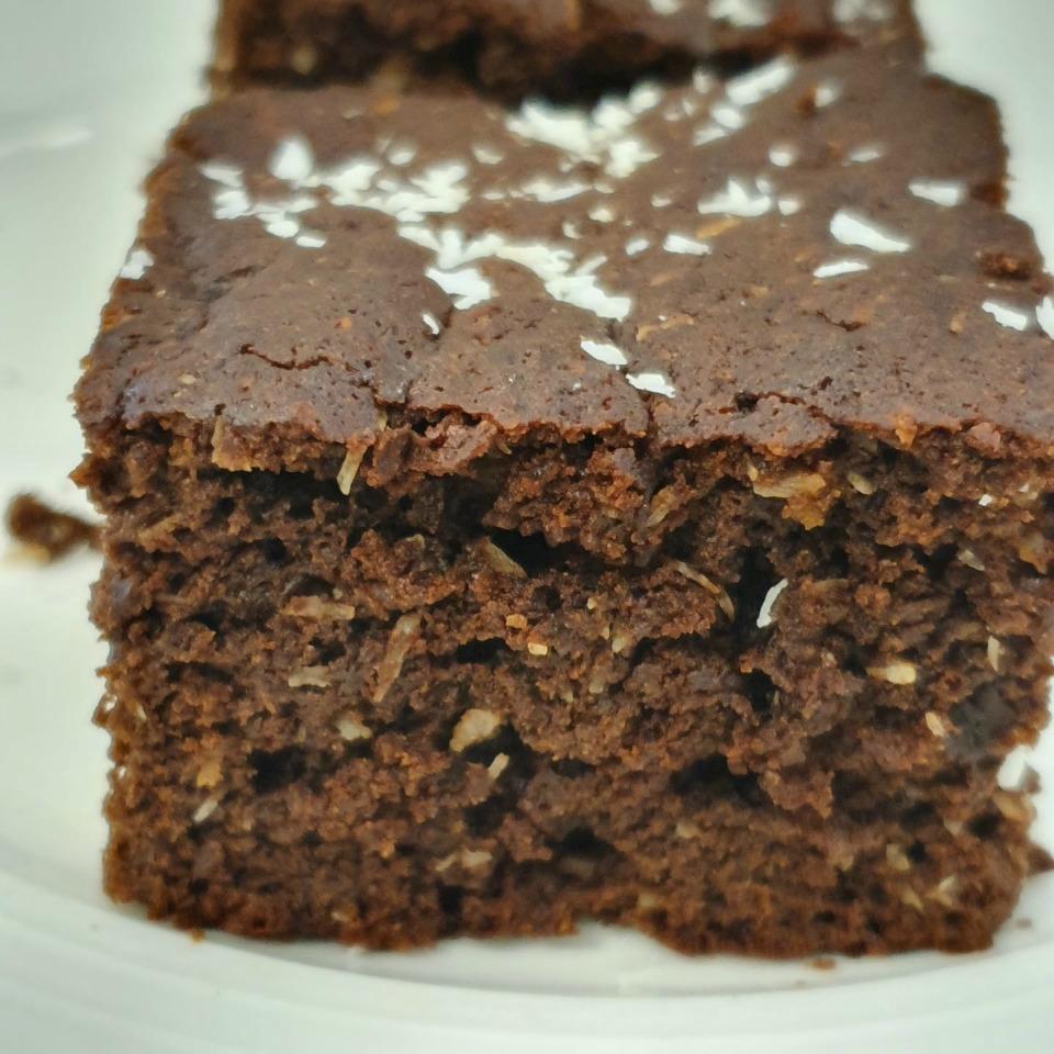 Healthy-Chocolate-Coconut-Brownies-Natasha-Behm-2