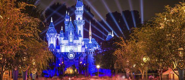 UNIQLO goes to Disney World