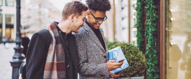 Christmas merchandising tips for retailers