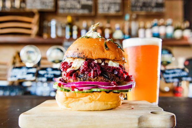 The Black Sheep burger, 4 Pines