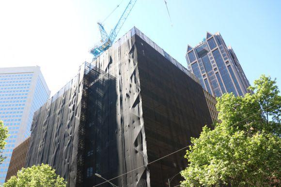 Demolition has resumed on 150 Queen Street. Image: Mark Baljak