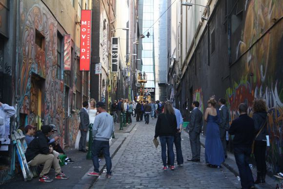 Paint It Black - Hosier Lane reborn