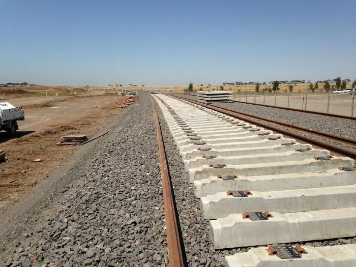 How new rail lines are built... in two minutes