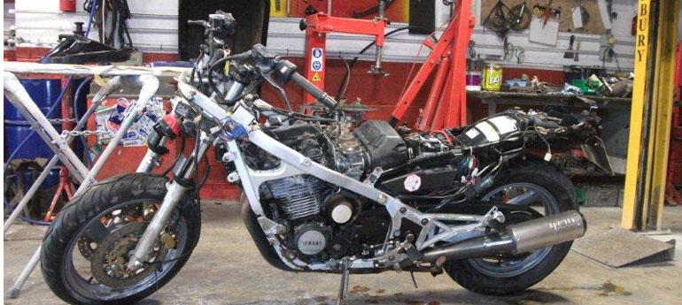 Cybi GArage - MOT Motorbike