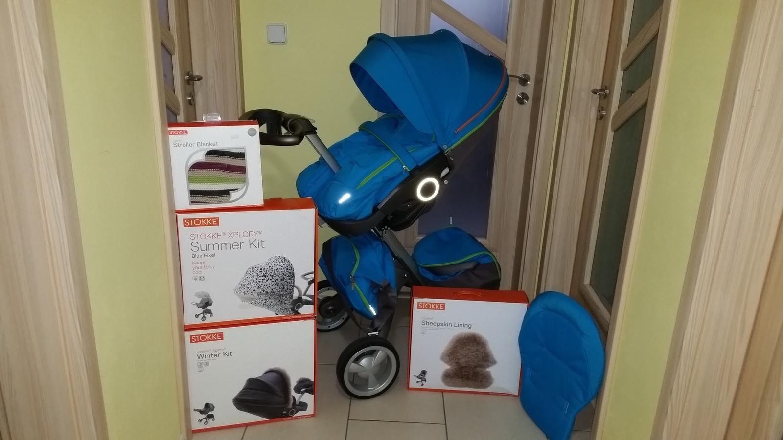 3 in 1 stokke xplory v4 with winter summer kits stokke mycarrier. Black Bedroom Furniture Sets. Home Design Ideas