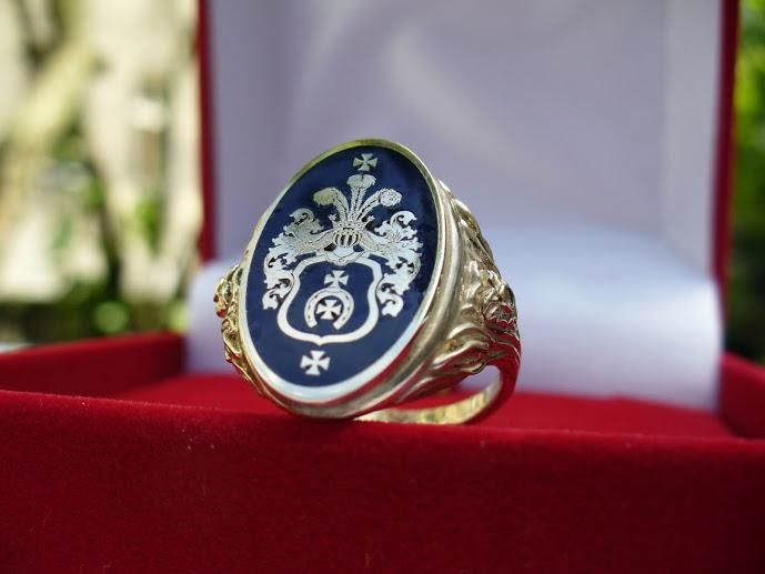 Custom Man Family Crest Ring Wax Seal Gold Rings Coat Of