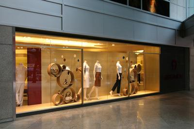 Frameless Glass Shop Fronts in Auckland at Reasonable Rates