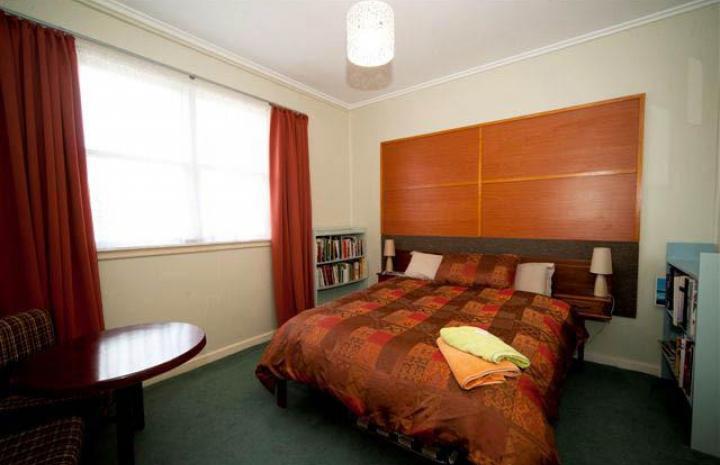 Little River - best Hotel, Bar & Accommodation