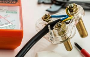 Reasonable Electrician South Auckland from Redline Electrical & Security Ltd