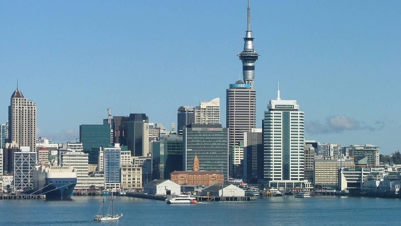 Shuttle NZ - Day Tour Auckland