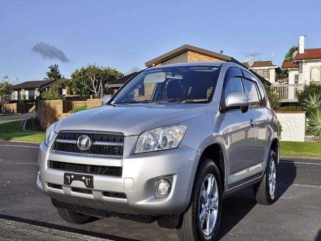 Toyota RAV4 4WD LOW KMs 2010