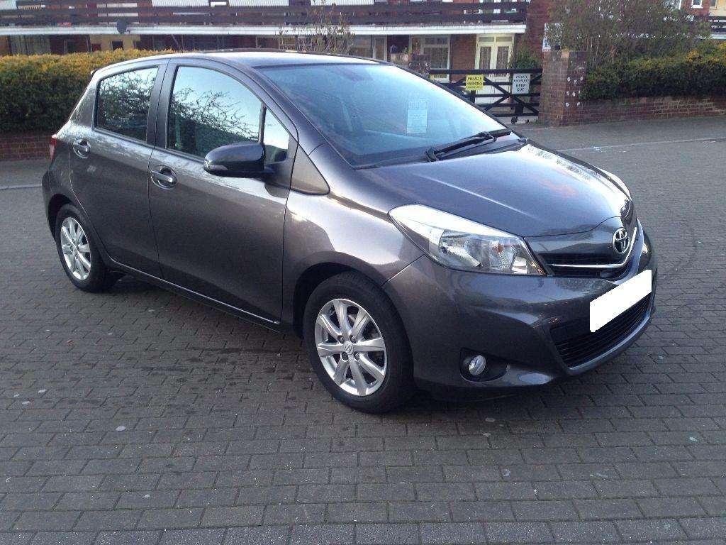 TOYOTA YARIS T SPIRIT VVT-I GREY COLOUR 5 DOOR